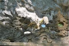 チャンアン 神社の彫り物 龍