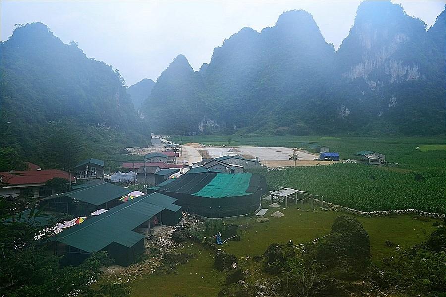 21825-Nguom Ngao Cave