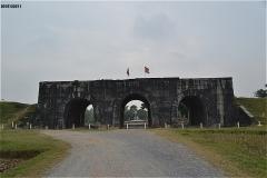 胡朝の城塞 南門