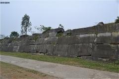 胡朝の城塞 南側壁面