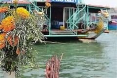 471-Nhat Le River