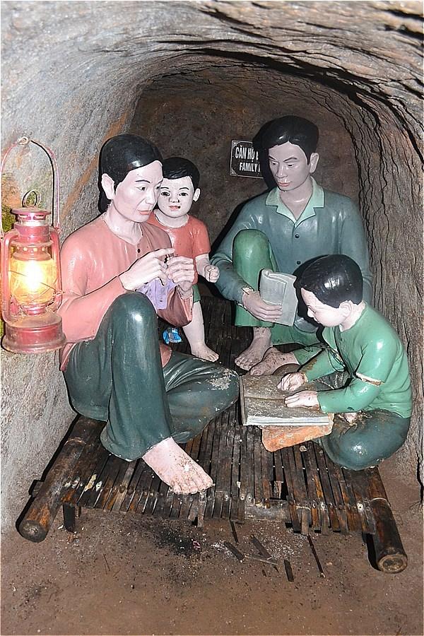 48417-Vinh Moc Tunnel