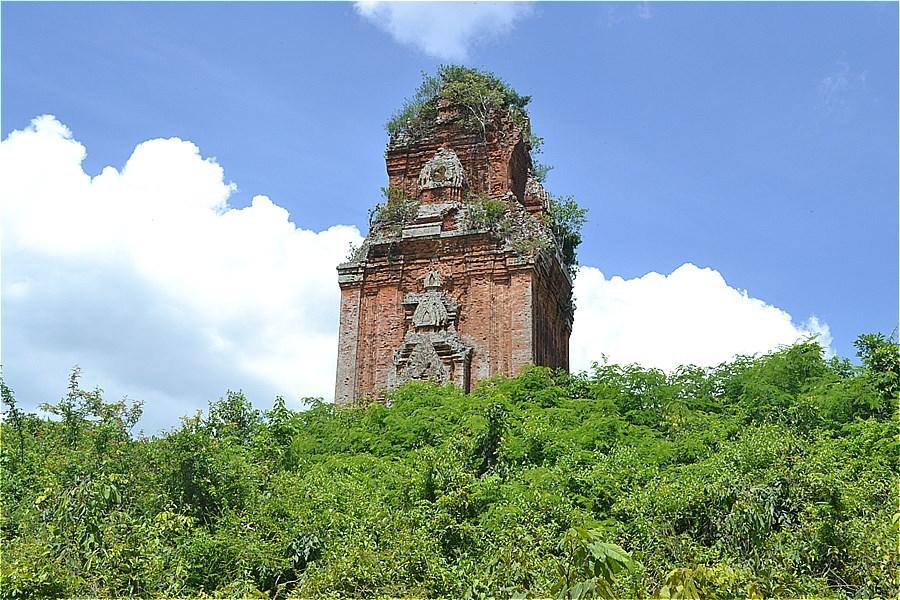金塔  (Tháp Phú Lốc)