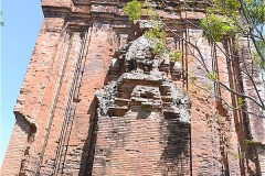 トゥーティエン塔 Thu Thien Thap Cham (Tháp Thủ Thiện)