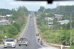 コントゥム市から国道14Eを北上