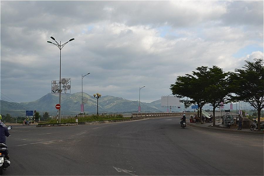 Kon Tum Museumへの道
