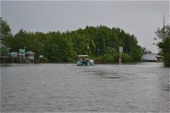 Đất Mũi舟着き場から、ハイドロジェットボートでカマウ市舟着き場へ